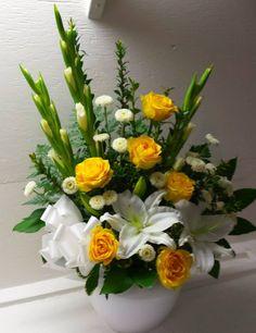 The Undermined Importance of Flowers - Send Flowers Online Funeral Floral Arrangements, Flower Arrangement Designs, Altar Flowers, Church Flower Arrangements, Home Flowers, Church Flowers, Beautiful Flower Arrangements, Funeral Flowers, Flower Vases