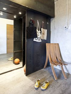 Small Apartment With Concrete Walls