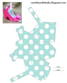Free Cinderella templates - even a shoe template! Shoe Template, Paper Box Template, Diy Gift Box, Diy Box, Diy Paper, Paper Crafts, Paper Shoes, Printable Box, Printables