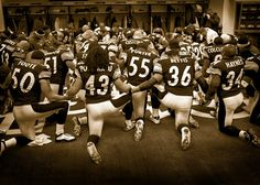 Pittsburgh wins the Super Bowl! steelers prayer locker room kneel The Pittsburgh Steelers defeated the Seattle Seahawks, in Super Bowl XL. Here We Go Steelers, Steelers Football, Steelers Pics, Steelers Stuff, Pittsburgh Sports, Sr1, Steeler Nation, Prayers, Just For You