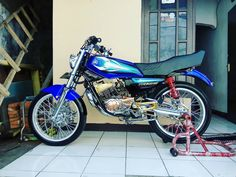 Yamaha Motorcycles, Cars And Motorcycles, King Club, Custom Bikes, Honda, Vehicles, Instagram, Dan, Street