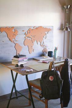Das DIY für alle (Welt)Entdecker: Eine selbst gemachte Weltkarte aus Kork die zeigt, wo du schon warst.