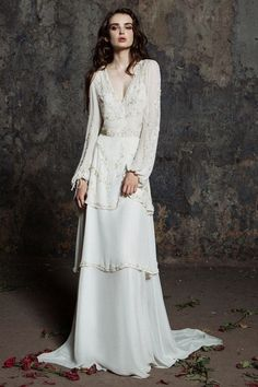 Retro Appliques Long Sleeve Sweep/Brush Train Chiffon A-line V-neck Simple Wedding Dresses