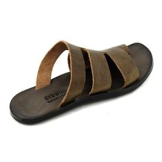 Clarks Shoes, Boot styles And A Lot More for People Leather Slippers, Mens Slippers, Leather Sandals, High Fashion Men, African Men Fashion, Mens Fashion, Leather Armor, Leather Men, Pretty Shoes