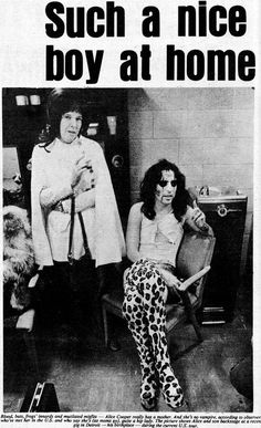 ✨ Glamour of the portrayed in music, fashion, photography, cinema and other forms of art ✨.television man is crazy saying we're juvenile delinquent wrecks. Alice Cooper, Alice Sweet Alice, Detroit, Rock Hall Of Fame, Michigan, Thing 1, Female Pictures, Rockn Roll, S Stories