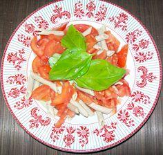 Pasta con sugo di pomodoro crudo - Pag. 97 - Il grande libro delle ricette per la dieta dei gruppi sanguigni - Marilena D'Onofrio - L'Età dell'Acquario