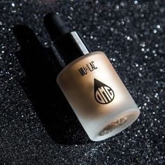 """""""Mi piace"""": 1,834, commenti: 12 - Professional Makeup Brand (@mulaccosmetics) su Instagram: """"📸🎨 @chiaroscuromakeup ✨#omg Gold it's a must have in your makeup collection! 🙌🏼#mulacglow✨…"""""""