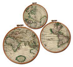 Weltkarten vom holländischen Kartenzeichner Gerard van Schagen aus Amsterdam auf Stoff gedruckt und gerahmt...