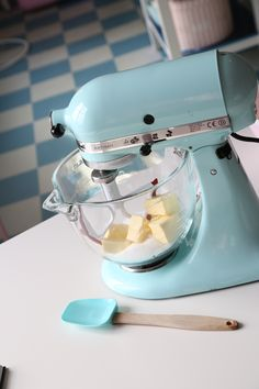 Definetly want this coloured kitchen aid when i'm older ❄️ absouletly adore this colour and i love baking