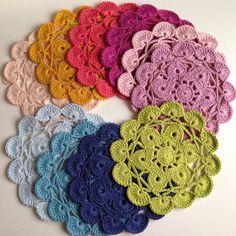 Crochet coaster with dmc natura