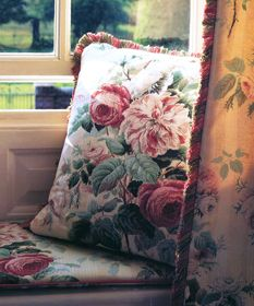 English cottage rose pillow..looks like English Colefax Fowler fabric..........love it!