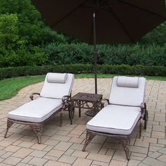 Elite 4 Piece Chaise Lounge Set with Cushions Umbrella Color: Brown - http://delanico.com/chaise-lounges/elite-4-piece-chaise-lounge-set-with-cushions-umbrella-color-brown-573347760/