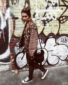 "67.9 mil curtidas, 263 comentários - Sasha (@sashameneghelszafir_) no Instagram: ""In a little corner of a big road in an even bigger city"""