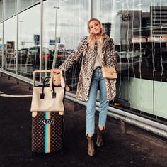 Amsterdam and then Paris (for something so excitinggg 😍) Amsterdam, Ibiza, Blue Jeans, Spring Fashion, Winter Fashion, Pedal Pushers, Insta Models, Hippie Outfits, Stretch Denim