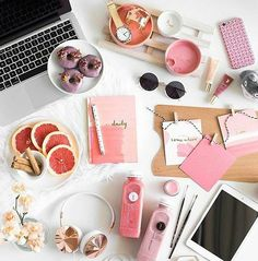 A great way to start the #morning this #Weekend @meohmygirl www.theflatlay.com…