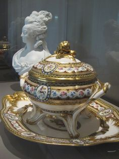 Porcelain soup tureen that belonged to Marie-Antoinette. This piece was made in 1784 by the Royal Manufacturers of Sèvres--it is now in the Louvre