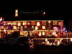 Fairlie Park, Ringwood - 25 Inspiring Home Christmas Light Displays