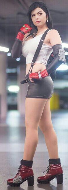 Character: Tifa Lockhart / From: Square Enix's 'Final Fantasy VII' / Cosplayer: Allyson Ochs (aka Oki-Cospi) / Photo: Mineralblu Photography