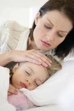 12 Kids' Symptoms You Should Never Ignore. The wait-and-see approach is fine for some kids' health problems. Good to know these symptoms, just in case! Toddler Cough, Sick Toddler, Sick Kids, Toddler Stuff, Kids Health, Health Tips, Children Health, Healthy Children, Baby Health