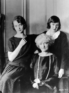 Lillian Gish with her mother, Mary, and sister Dorothy, 1926
