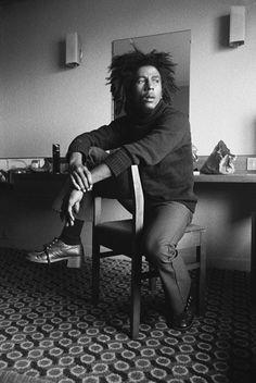 """Bob Marley - Por ser uno de esos elegidos capaz de elegir las palabras perfectas, llenarlas de ritmo y transmitir sus ideas.    """"Some people feel the rain. Others just get wet."""" - Bob Marley    http://www.bobmarley.com/"""