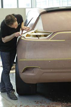 S. Guingat from Renault Design. Relive the birth of #InitialeParis concept car behind the scene of #Renault #Design. (c) J. Vekemans - Droits réservés Renault