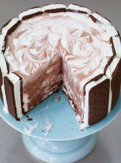 Charlotte aux sandwichs à la crème glacée  #dessert #gâteau #ricardocuisine