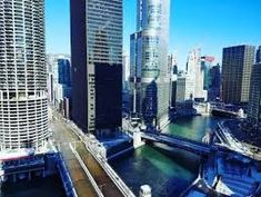 Image result for chicago hotels downtown Visit Chicago, Chicago Lake, Chicago River, Chicago Attractions, Chicago Hotels, Chicago Restaurants, Unique Hotels, Best Hotels, Peninsula Chicago