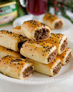 Mirabelkowy blog: Paszteciki z kaszą gryczaną i grzybami Vegan Recipes, Cooking Recipes, Vegan Food, Little Kitchen, Arabic Food, Dumplings, Hot Dog Buns, Bagel, Food Inspiration