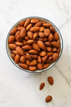 Lunch Snacks, Yummy Snacks, Snack Recipes, Easy Recipes, Raw Almonds, Roasted Almonds, Pasta Bar, Air Fried Food, Winter Food