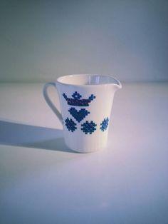 Vintage Figgjo Flint Turi Design Noway decor Menu Creamer - Cream Pitcher.. Scandinavian Art, Menu, Pottery, Cream, Vintage, Design, Decor, Menu Board Design, Ceramica