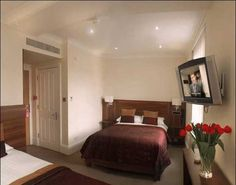 London House Hotel in London at budgetplaces. Book now and save, best price guarantee! The London House Hotel offers stylish accommodation in a charming, yet peaceful street in Ba.