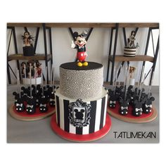 Mickey mouse cakepops