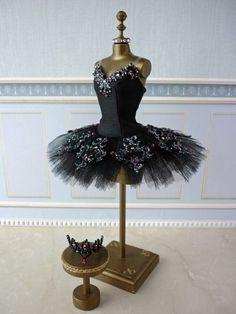 A miniature tutu handmade/ Miniature Ballet Costume Ballet Tutu, Ballerina Costume, Ballet Dance, Dance Outfits, Dance Dresses, Mode Russe, Ballet Russe, Dress Form Mannequin, Ballet Beautiful