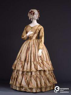 1800s Fashion, 19th Century Fashion, Edwardian Fashion, Vintage Fashion, Gothic Fashion, Antique Clothing, Historical Clothing, Vintage Gowns, Vintage Outfits