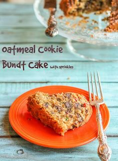 Oatmeal Cookie Bundt Cake: chewy like the cookie and full of chocolate like (my favorite) oatmeal cookies, but baked in a bundt pan! So much fun!