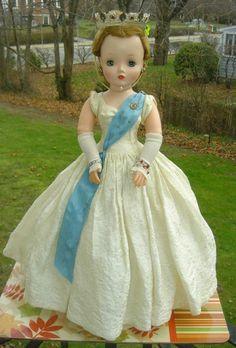 1950's MADAME ALEXANDER CISSY DOLL QUEEN ELIZABETH - My favorite doll