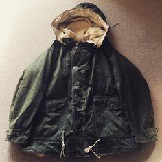 Hoods, Hooded Jacket, Raincoat, Instagram Posts, Jackets, Fashion, Jacket With Hoodie, Rain Jacket, Down Jackets