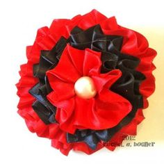 Flower Hair Bows, Satin Flowers, Red Satin, Hair Jewelry, Hair Accessories, Diy Crafts, Craft Ideas, Hats, Artwork