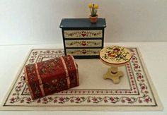 Nicely done hand painted half inch scale 1:24 country cottage dollhouse furniture