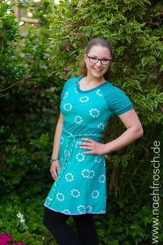 Nähfrosch Jersey Mono Blossom von Astrokatze in Mint Schnittmuster Kleid Toni von Milchmonster Sewing Blog Nähen DIY