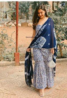 Sharara Designs, Kurta Designs Women, Kurti Designs Party Wear, Blouse Designs, Casual Indian Fashion, Indian Fashion Dresses, Indian Designer Outfits, Designer Dresses, Simple Kurta Designs