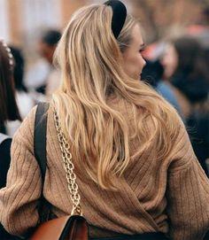 A padded black velvet headband Black Headband, Velvet Fashion, About Hair, Messy Hairstyles, Hair Dos, Hair Inspo, Hair Band, Hair Trends, Hair Makeup