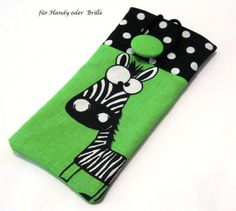 *Handytasche ♥ lustiges Zebra♥ oder  auch als Brillenetui nutzbar*     Warum schaut das Zebra nur so erstaunt oder erschrocken? ;-))    Innen weiss...