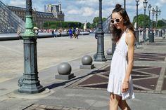 La petite robe blanche à Paris -Look, robe blanche, solaires, sandales à lacets, Paris, street style-