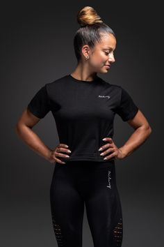Milary Womens Black T-Shirt Yoga, Outfit Goals, Komfort, Powerful Women, Squats, Fitness Motivation, Sporty, Black, Style