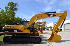 "Get Best Deal on Used 2011 #Caterpillar #Excavator with Free Price Quotes by Kelly Tractor Co for $ 130500 in Miami, FL, USA. This Used 2011 Caterpillar Excavator runs good and work well, equipped with 18' 7"" BOOM, 9' 6"" STICK, B1-LINKAGE, HI-AMBIENT COOLING, PRODUCT LINK, 31"" TG. Get Free Price Quotes for used Excavator on: http://goo.gl/YktczP"