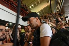 Les anciens de France 98 et le Stade Toulousain se sont affrontés au stade Ernest-Wallon pour les enfants malades, dans un match mi-foot, mi-rugby. Zinedine Zidane et ses anciens coéquipiers a fait le spectacle !