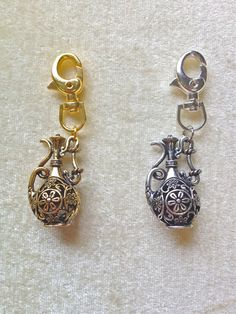 Genie Lamp Keychain by AmericanDistrict on Etsy, $8.50
