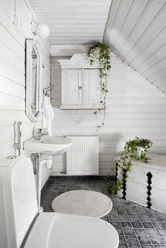 Koteja myytävänä - Homes for Sale Etuovi Skeppsholmen . Attic Renovation, Attic Remodel, Cottage Chic, Cottage Style, Botanical Bathroom, Laundry In Bathroom, Attic Bathroom, Bathroom Marble, Bathroom Goals